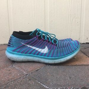 Nike Womens Free Running Motion Flyknit Shoes